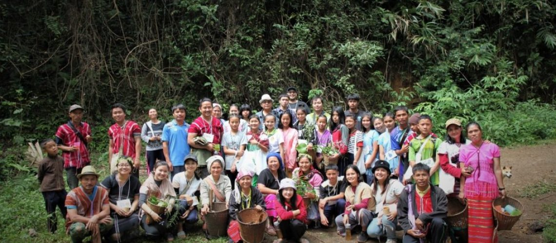 Group photo of the learning exchange participants at Mae Yod Village, Thailand